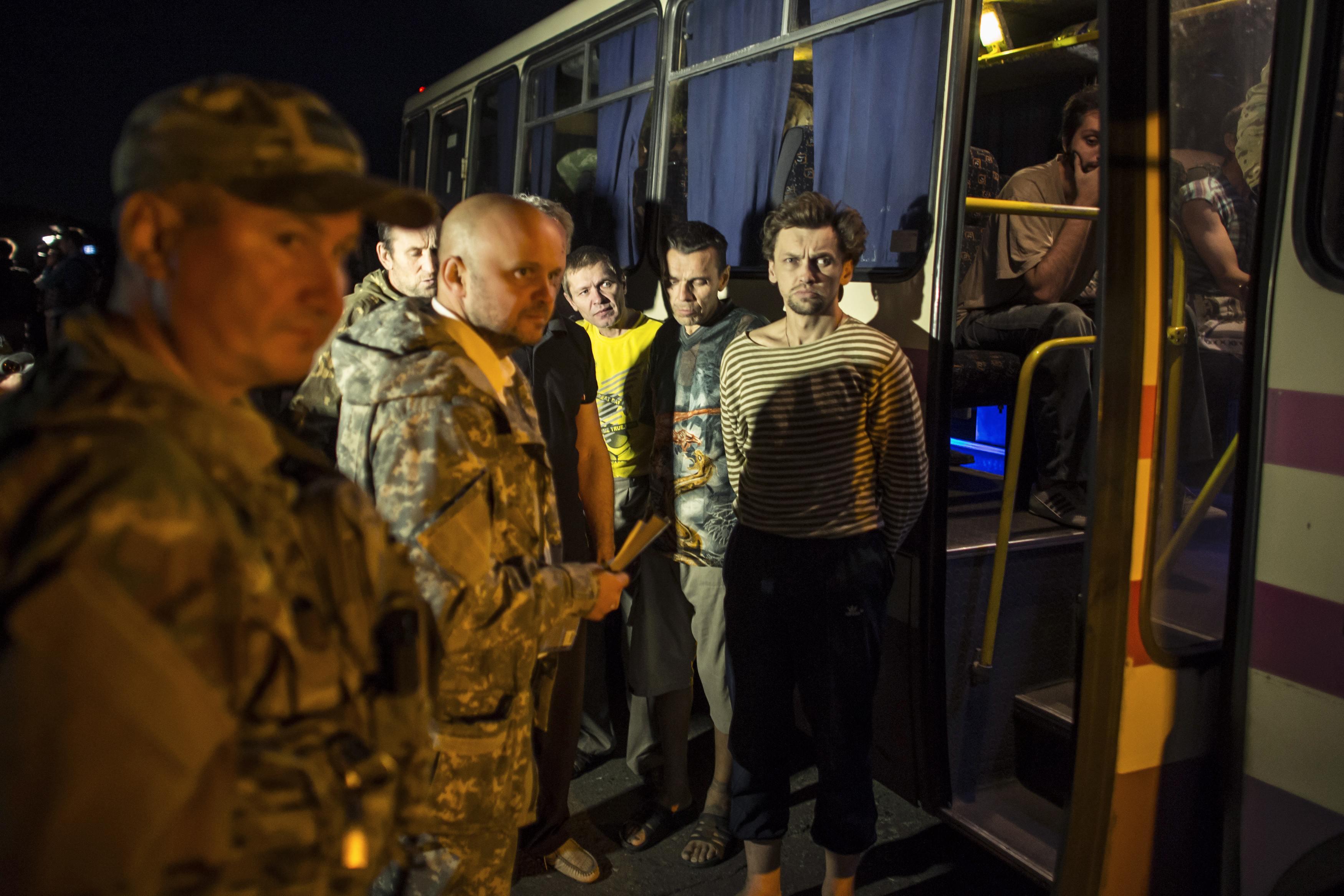 С начала войны на Донбассе были найдены или освобождены 3239 человек, -...