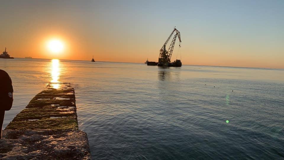 Конец истории с Delfi: танкер отбуксировали в нефтегавань Черноморска