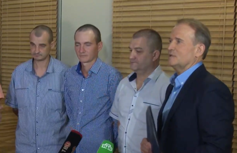 Четверо украинских пленных уже в Минске и скоро прилетят в Киев