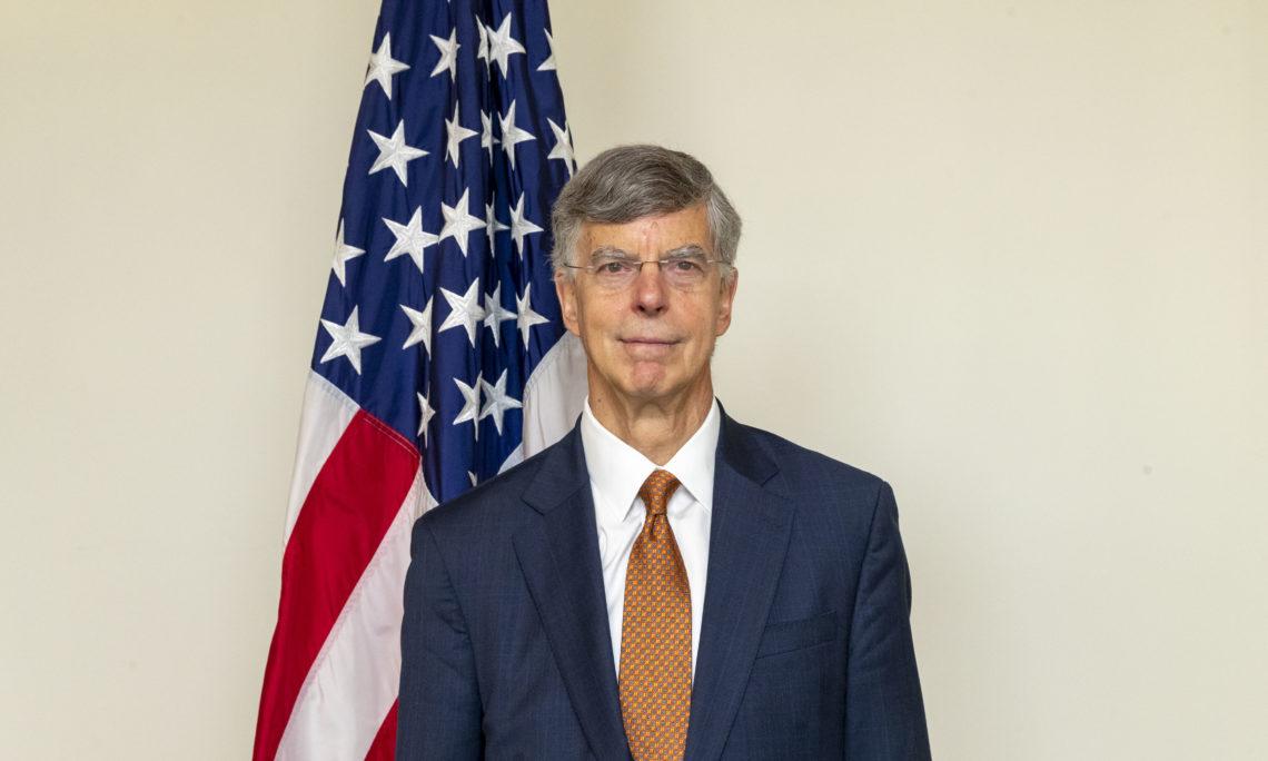 Украина может претендовать на членство в НАТО, – Тейлор