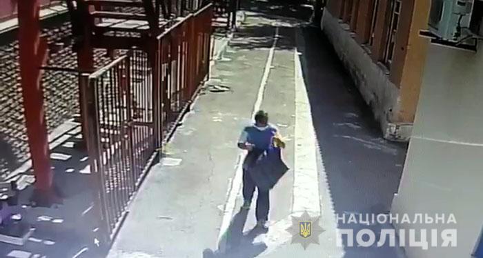 Нападение на охранника синагоги в Мариуполе расследуют как покушение на...