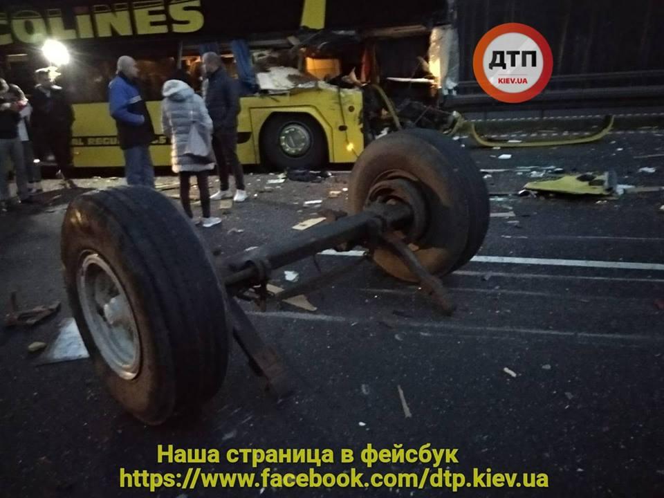 В Чехии в ДТП попал автобус с украинцами