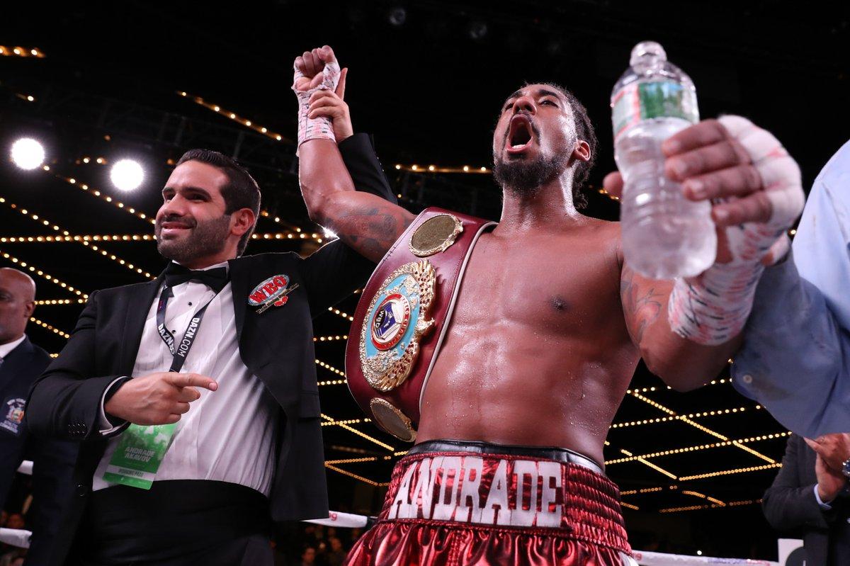 На бое российского боксера в Нью-Йорке вместо гимна РФ включили гимн ССС...