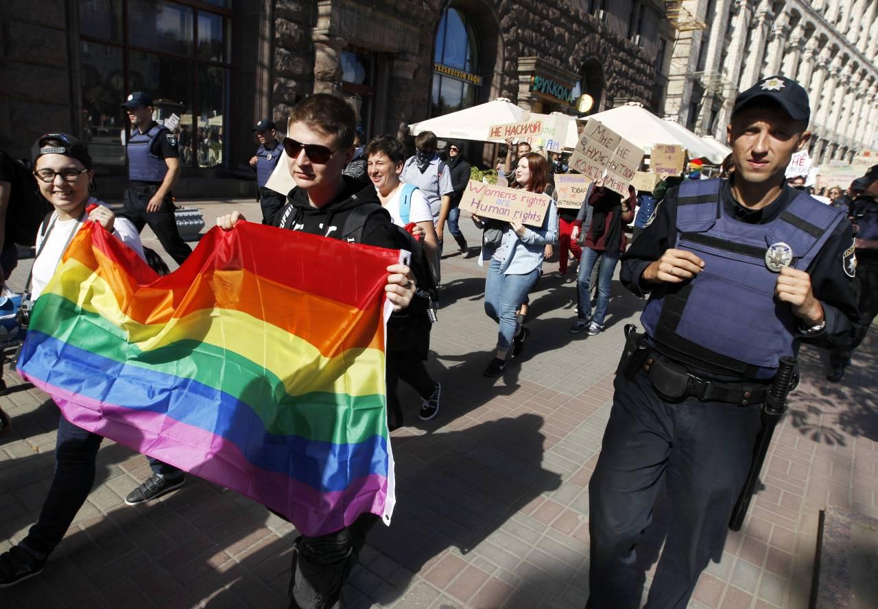 В Киеве противники Марша равенства перекрыли улицу Владимировскую