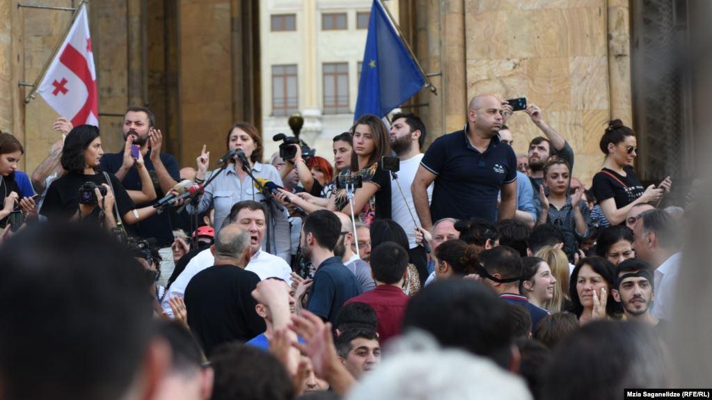 В Тбилиси освободили 51 задержанного на акции протеста