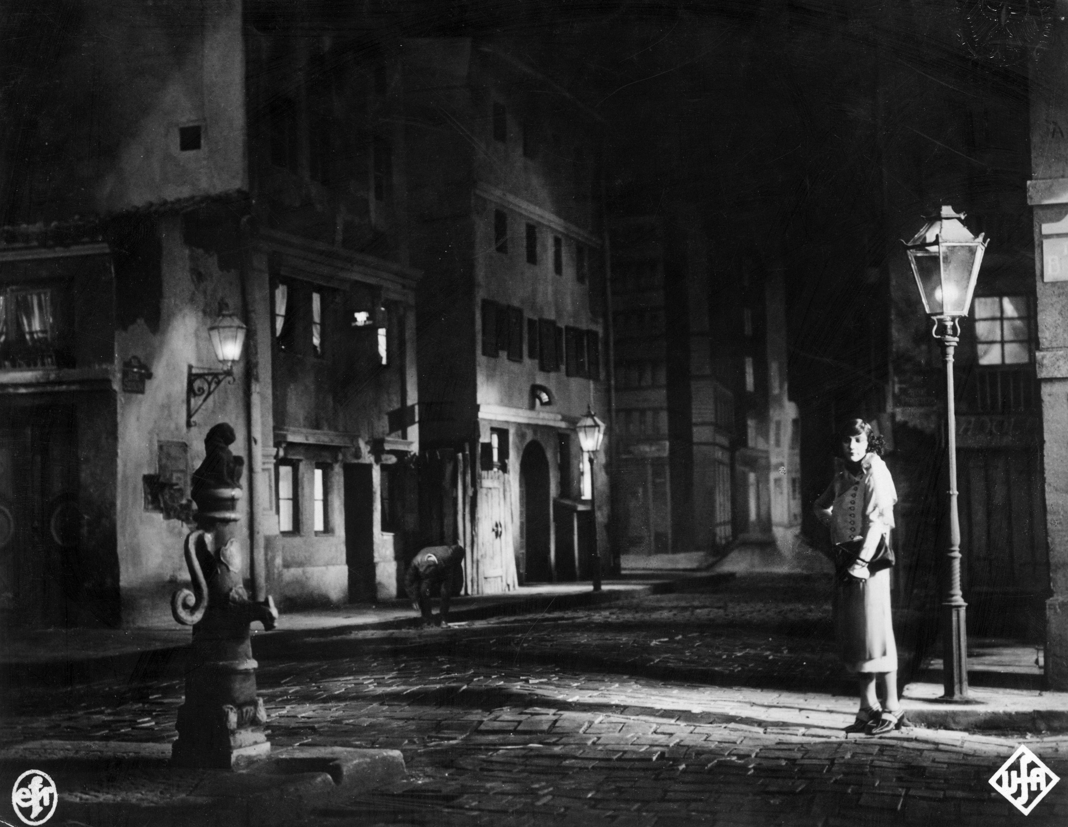 Золотой век красных фонарей. Как жили и работали проститутки дореволюционного Киева