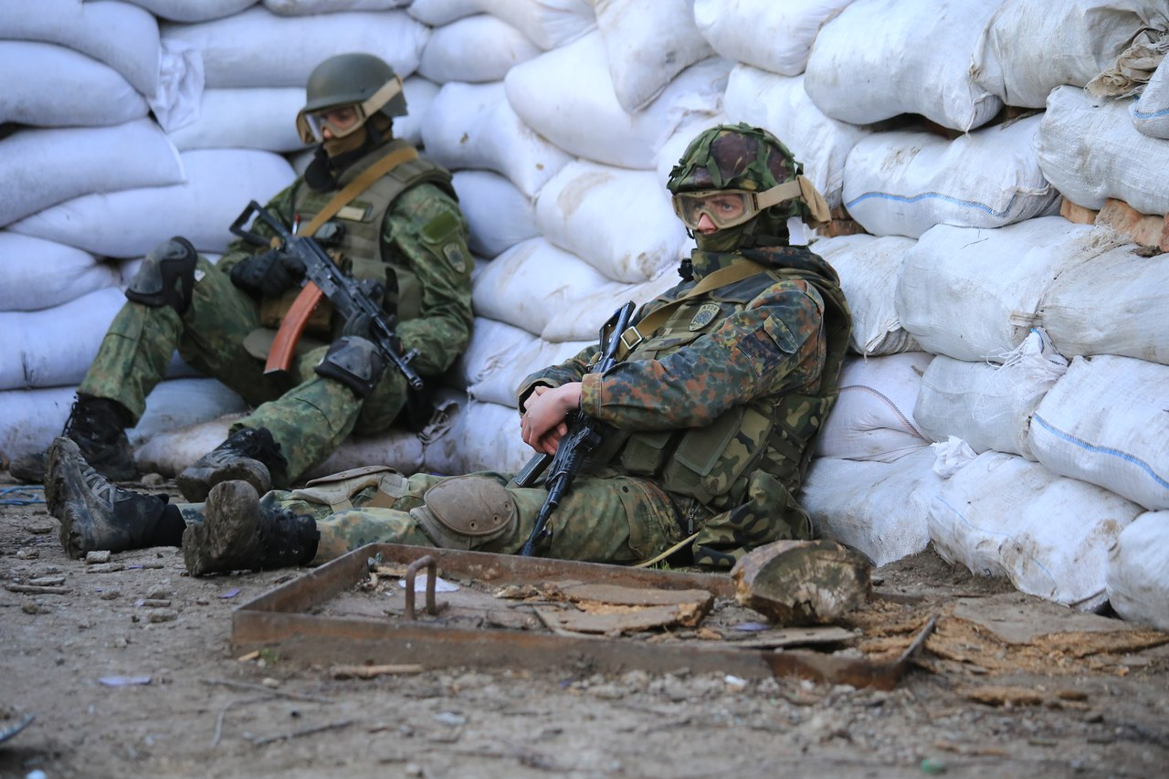 """Сутки на Донбассе: боевики 11 раз нарушили """"тишину"""", один военный ранен"""