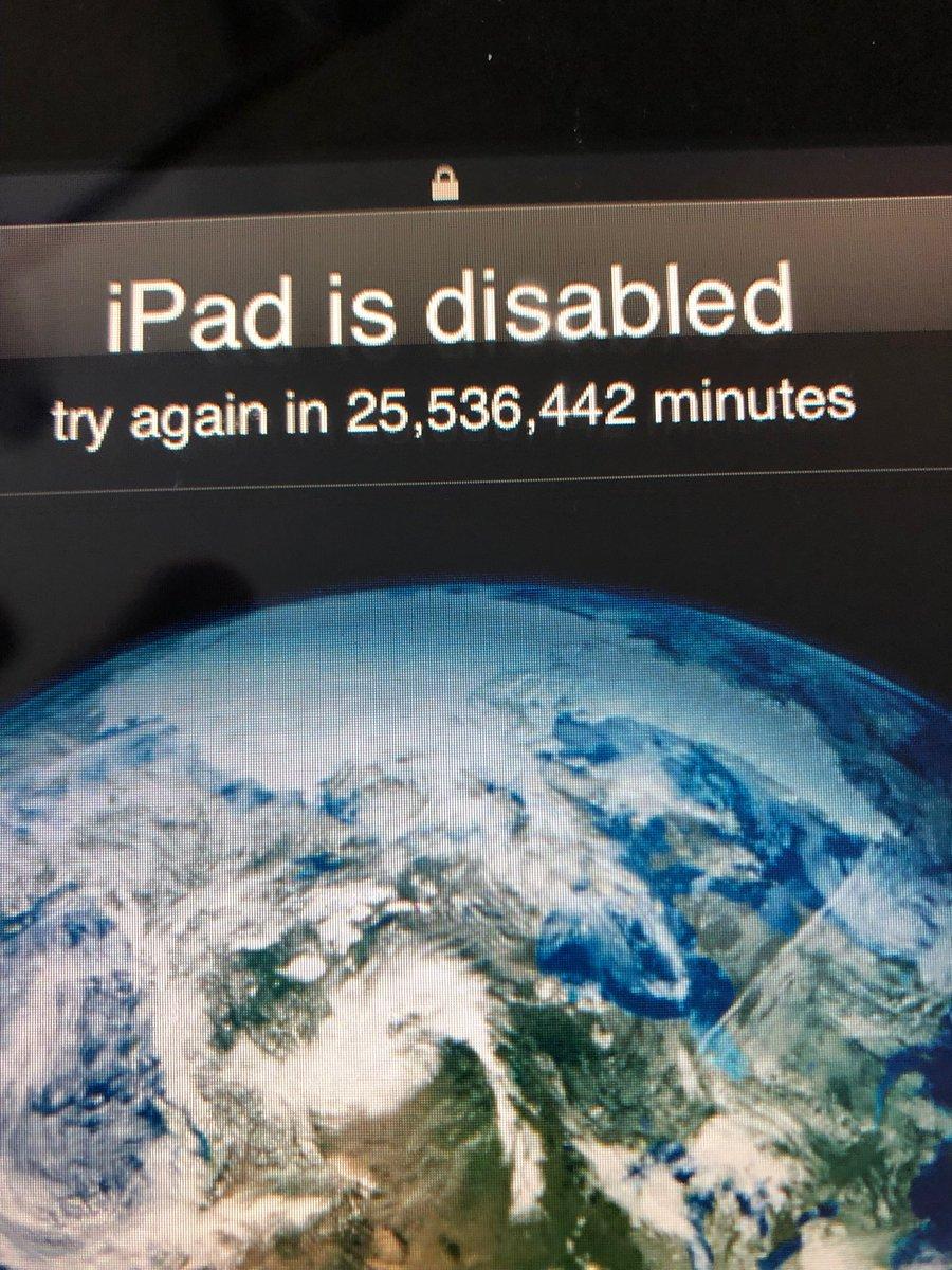 iPad заблокировался на 25,5 миллионов минут из-за трехлетнего ребенка