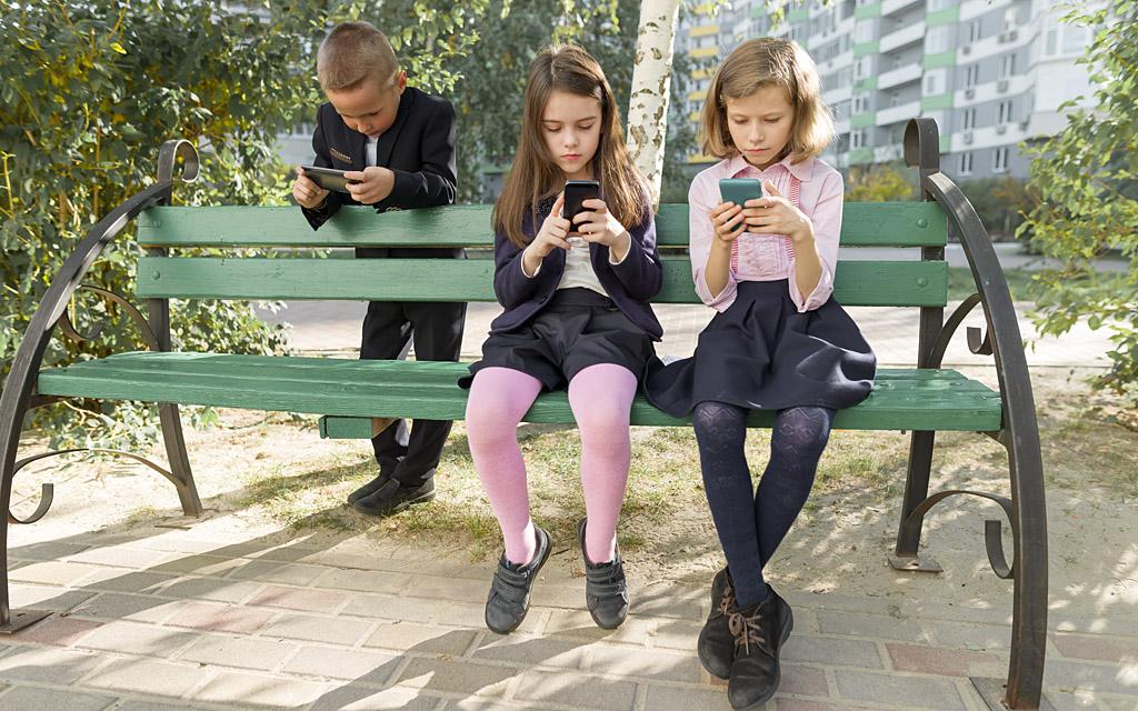 Жми на кнопку. Как мобильные игры влияют на детей и стоит ли бояться тот...