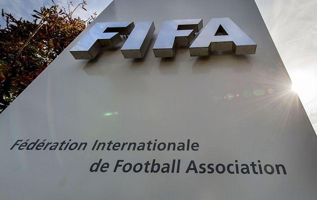 Бывшего генсека ФИФА Швейцария подозревает в мошенничестве