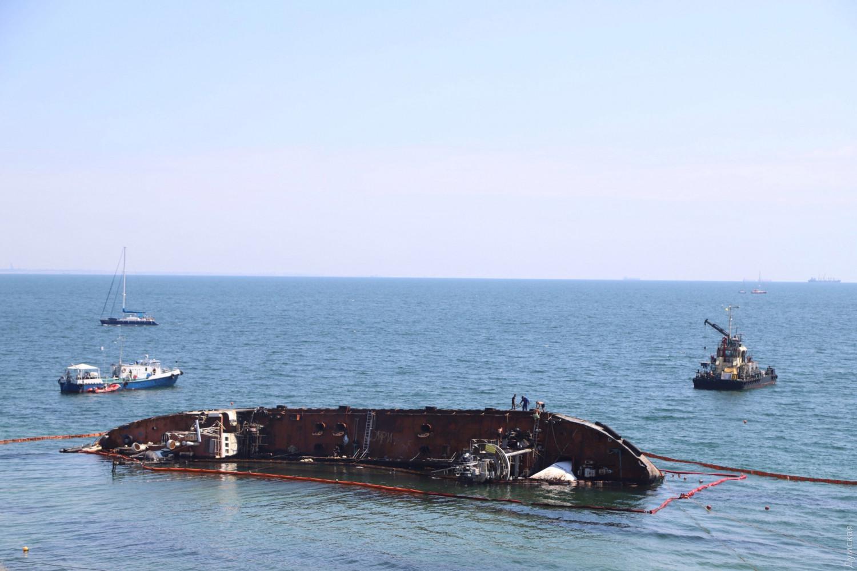 """В Одессе арестовали танкер """"Дельфи"""""""