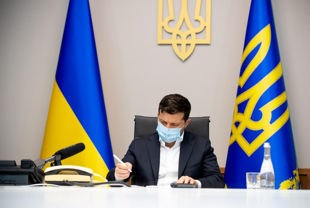 Зеленский потребовал найти системное решение и решить вопрос с паводками...