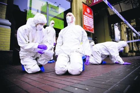 В Киеве художники устроили инсталляцию против гриппа