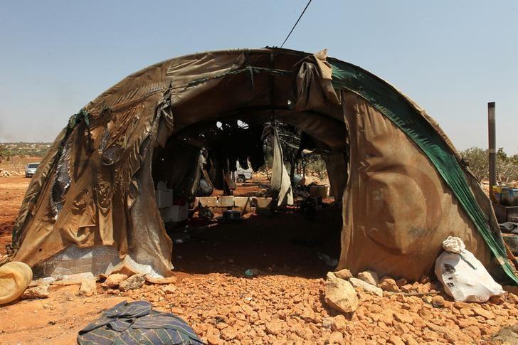 Авиация РФ разбомбила два лагеря беженцев в Сирии, - правозащитники