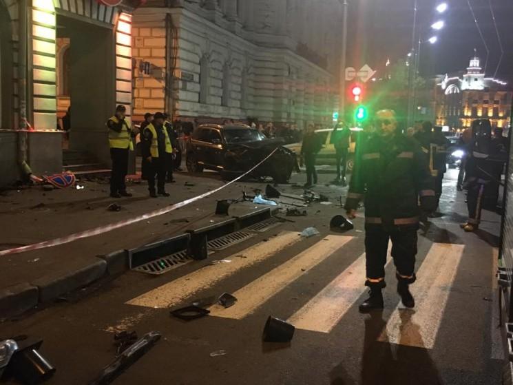 В Харькове внедорожник въехал в группу людей, погибли пять человек