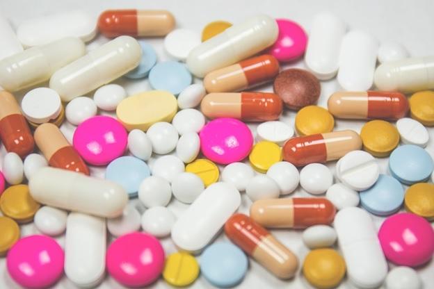 СМИ: В Украине планируют легализовать некачественные медикаменты из-за г...