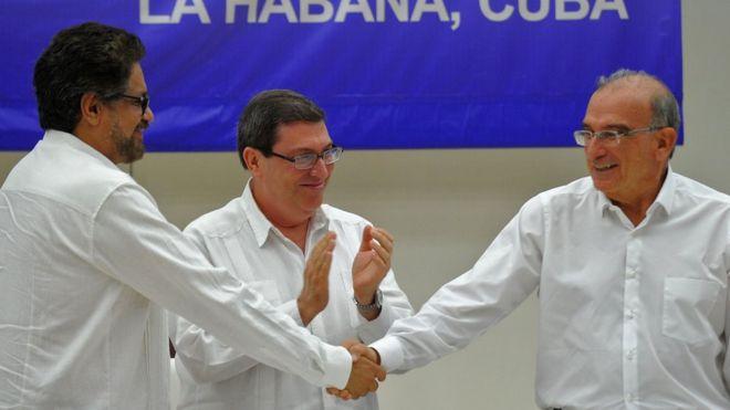 Власти Колумбии заключили мир с повстанцами после 50 лет конфликта