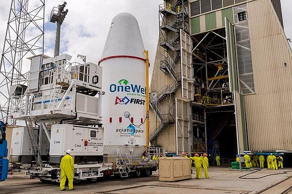 OneWeb запустит первые шесть спутников для раздачи интернета