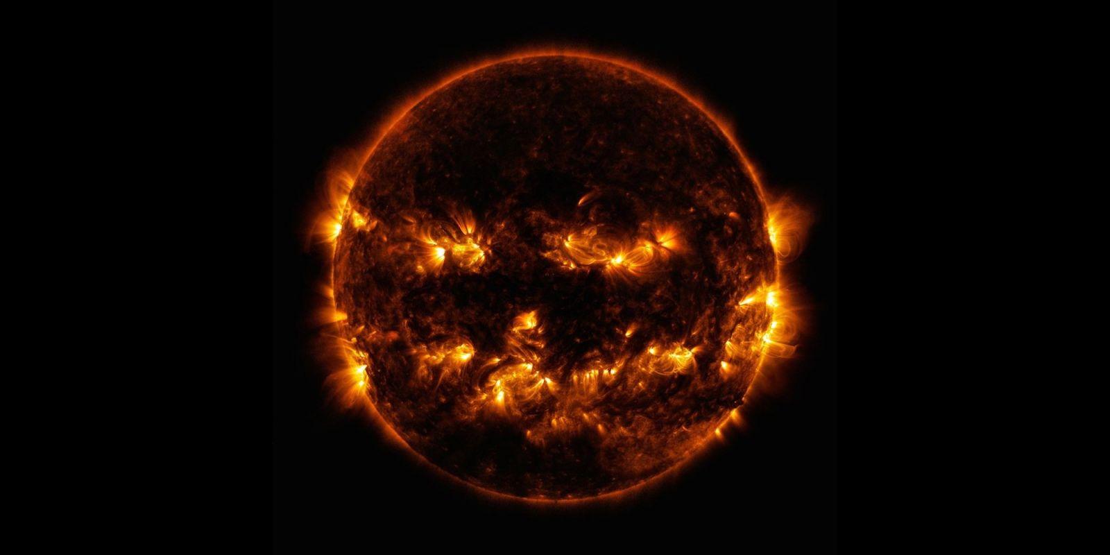NASA к Хеллоуину поделилось жуткими фото из космоса