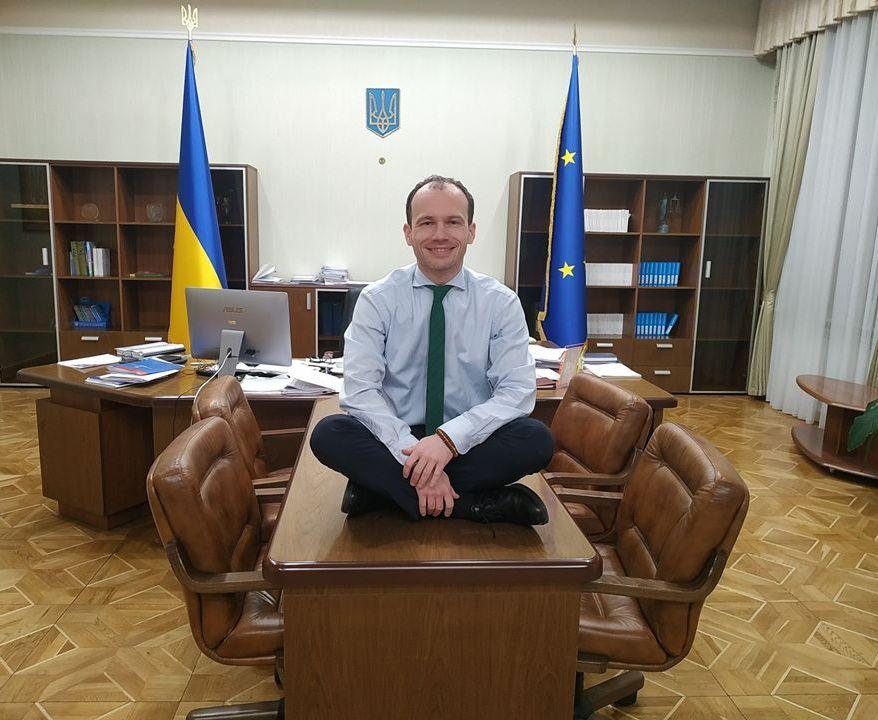 Министр юстиции просит Зеленского не подписывать закон о валютной ипотек...