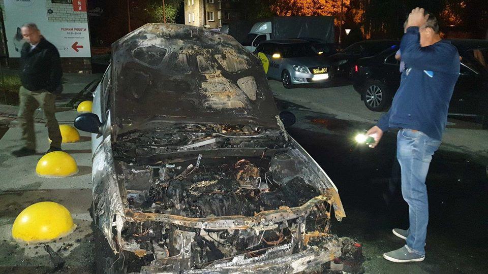 """Журналистам программы """"Схемы"""" сожгли автомобиль"""