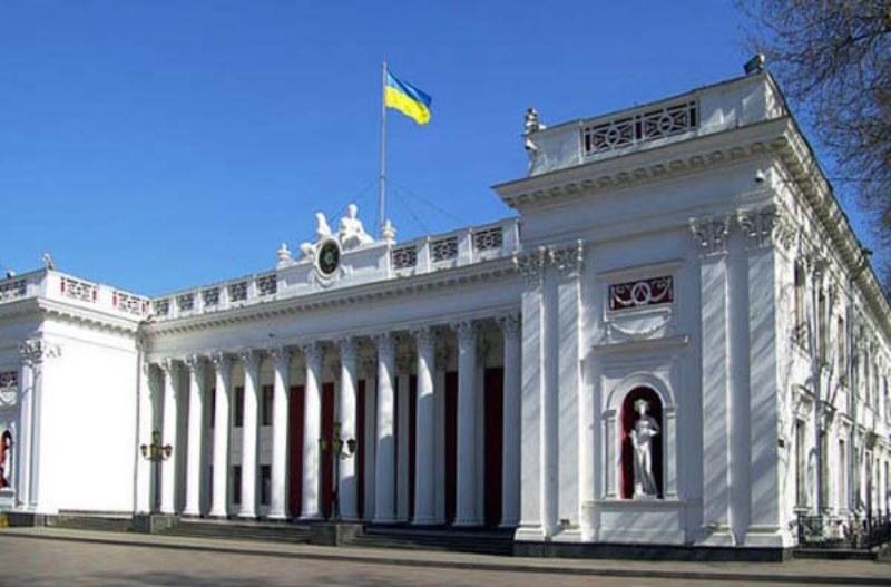 В горсовете Одессы проводят обыски. Мэр в больнице