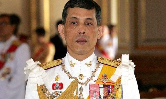 Король Таиланда женился на генерале своей охраны