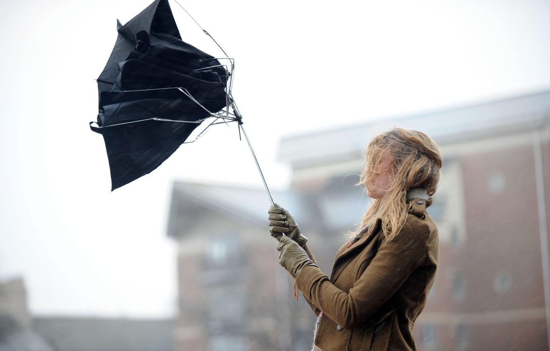 Синоптик рассказала, когда из Украины уйдет штормовой ветер