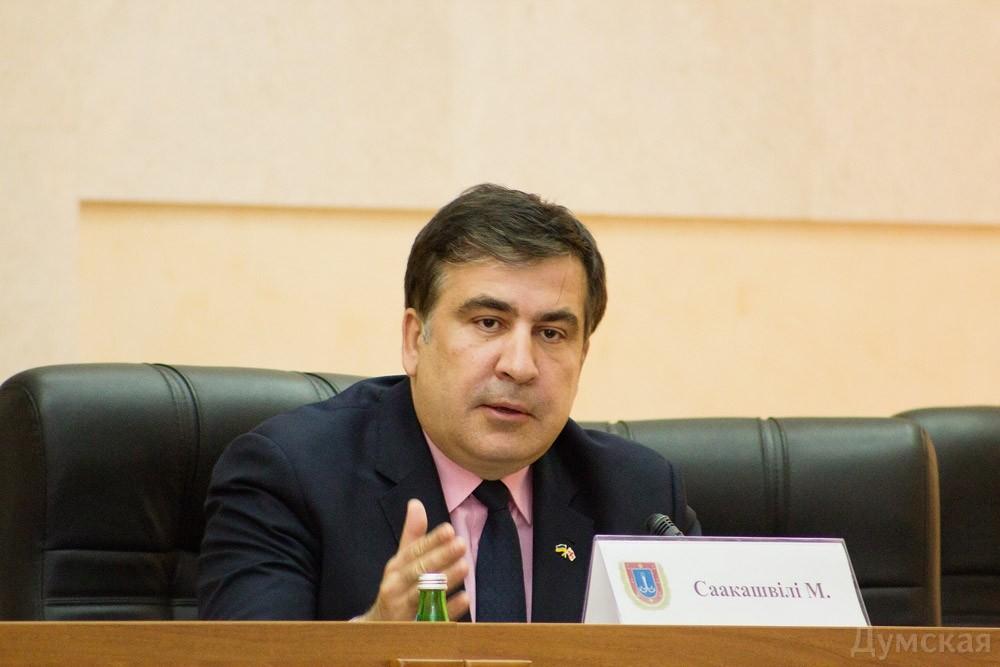 Саакашвили спрашивает у украинцев, идти ли на выборы с Кличко