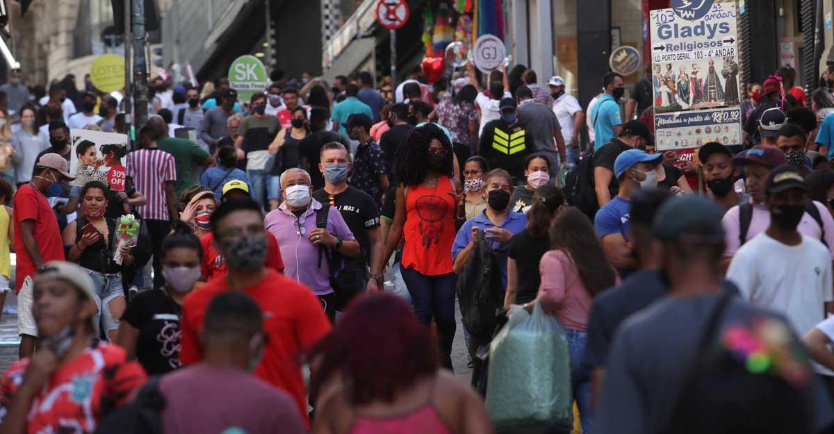 Бразилия разрешила иностранцам прилетать в страну, несмотря на высокий у...