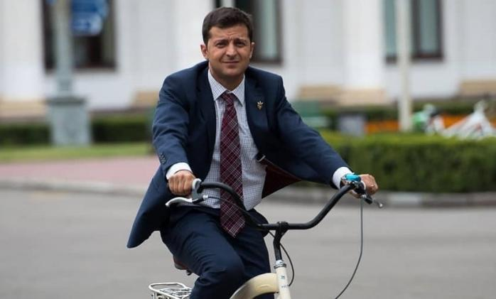 Украинцы считают главным двигателем реформ Зеленского, а тормозом – олиг...