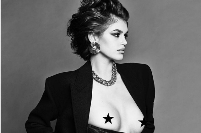 Кайа Гербер позировала обнаженной для Vogue