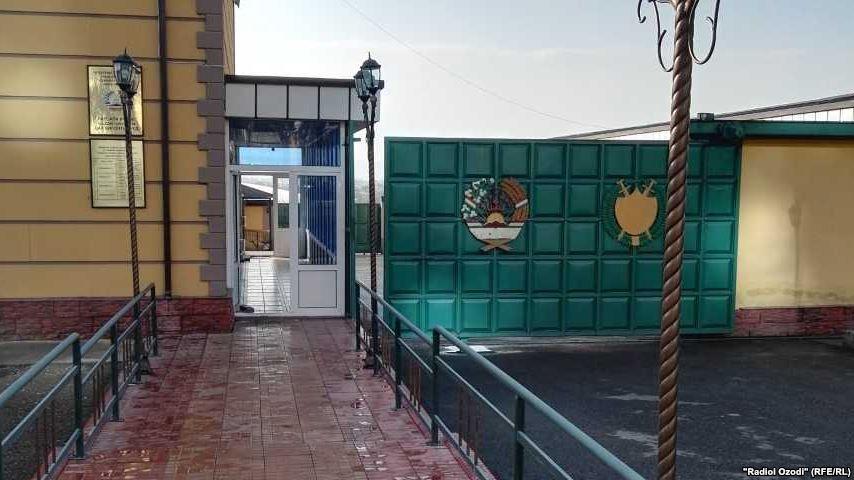 В Таджикистане вспыхнул бунт в колонии: погибли 25 заключенных, охранник...