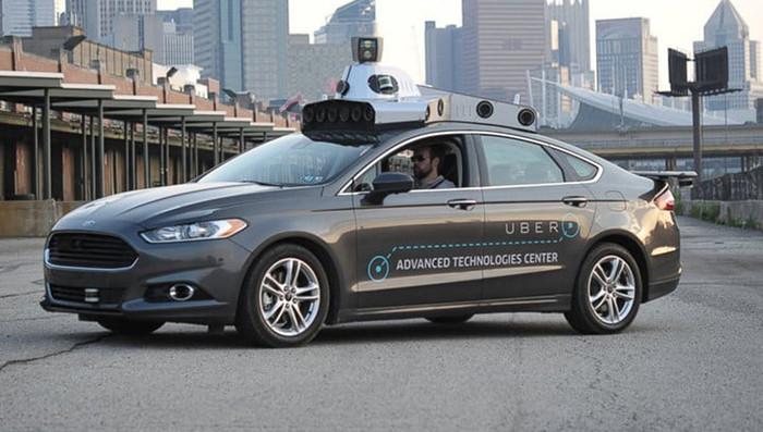 В США оператора беспилотного Uber, сбившего человека, обвинили в убийств...