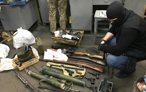 В Киеве обезвредили ОПГ с гранатометами, огнеметами и взрывчаткой