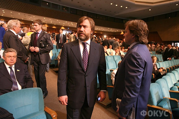 Порошенко поручил проверить законность гражданства Новинского
