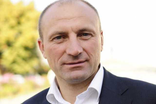 """Мэр Черкасс подал в суд на Зеленского за """"бандита"""" и требует 1 гривну ко..."""
