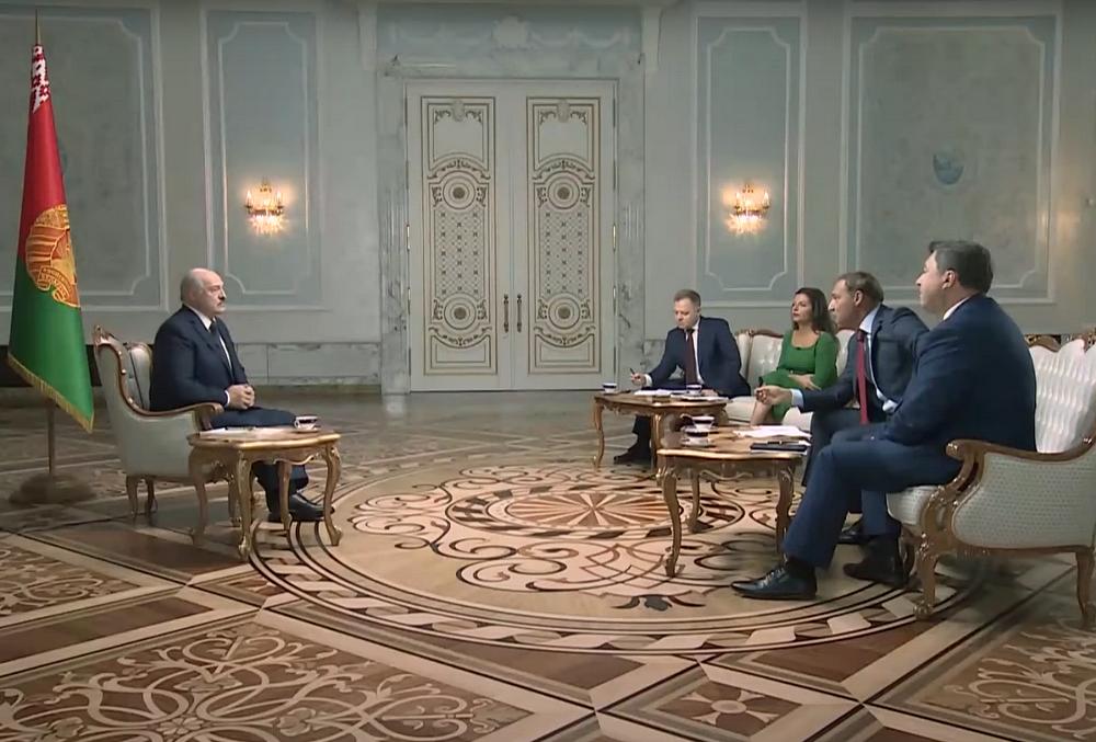 Лукашенко заявил, что протестами управляют из США через Польшу, Чехию, Л...