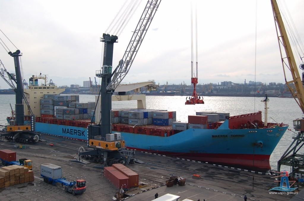Кабмин отменил 27 тысяч санкций против импортеров и экспортеров