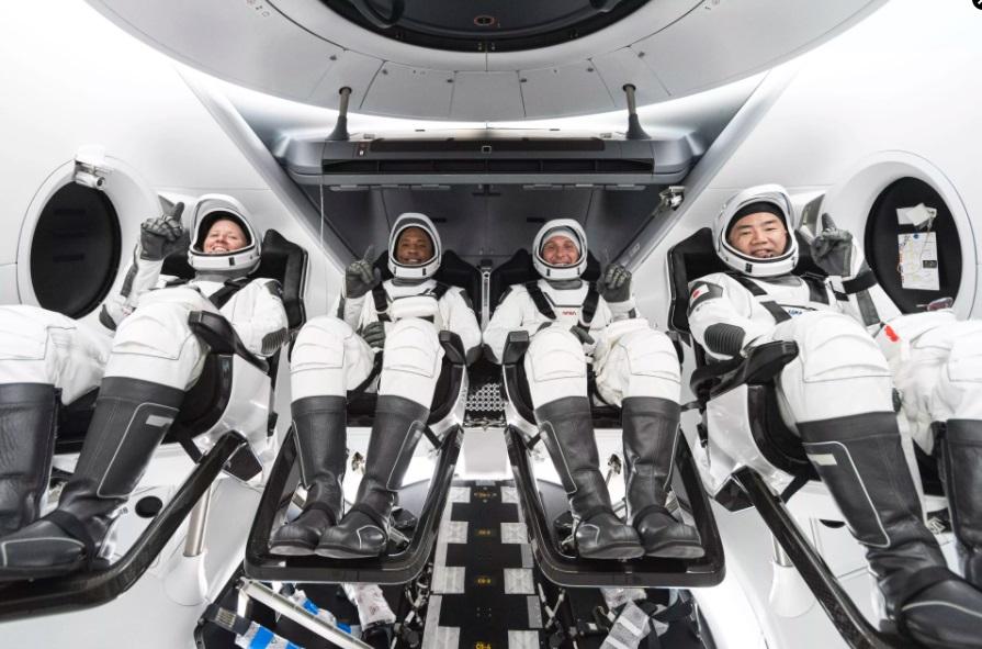 В NASA назвали причину отсрочки миссии SpaceX по доставке космонавтов на...