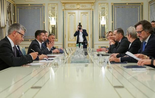 """Зеленский обсудил с Маасом ситуацию на Донбассе и подготовку к """"нормандс..."""