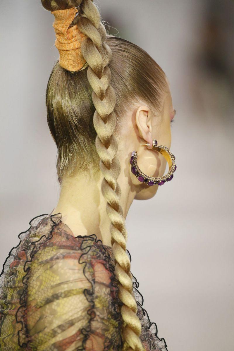 прическа хвост-коса