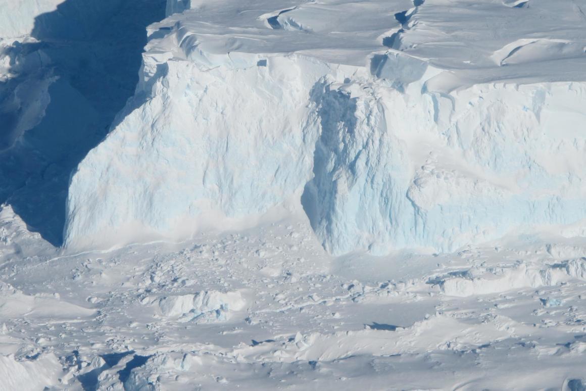Ледник Судного дня. Робот проверил состояние одного из самых нестабильны...