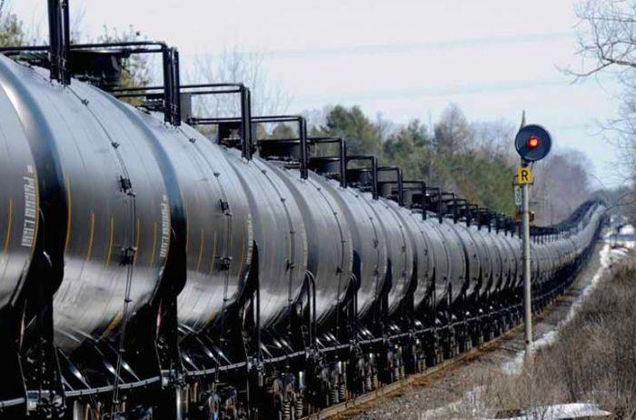 Укрзализныця не может купить дизельное топливо