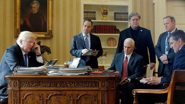 """""""О чем Вы, черт возьми, думаете?"""": Трамп отругал штаб Белого дома за про..."""