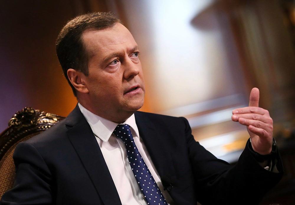 Отношения России и Евросоюза абсолютно деградировали, - Медведев