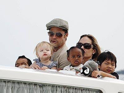 Анджелина Джоли хочет седьмого ребенка