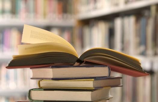 В библиотеку американской школы вернули книги, взятые 50 лет назад