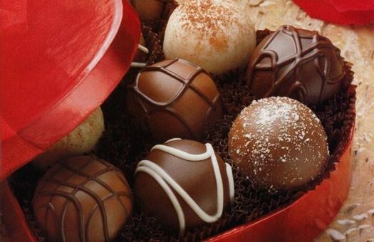 Вслед за сахаром в Украине подорожали конфеты