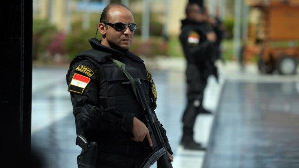 После смерти экс-президента Египта, в стране объявлено особое положение